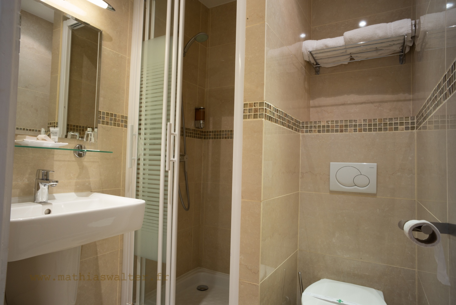 ... Chambre Double Avec Douche à Lu0027Hôtel AGENOR, Hôtel 3 étoiles Quartier  Montparnasse, ...