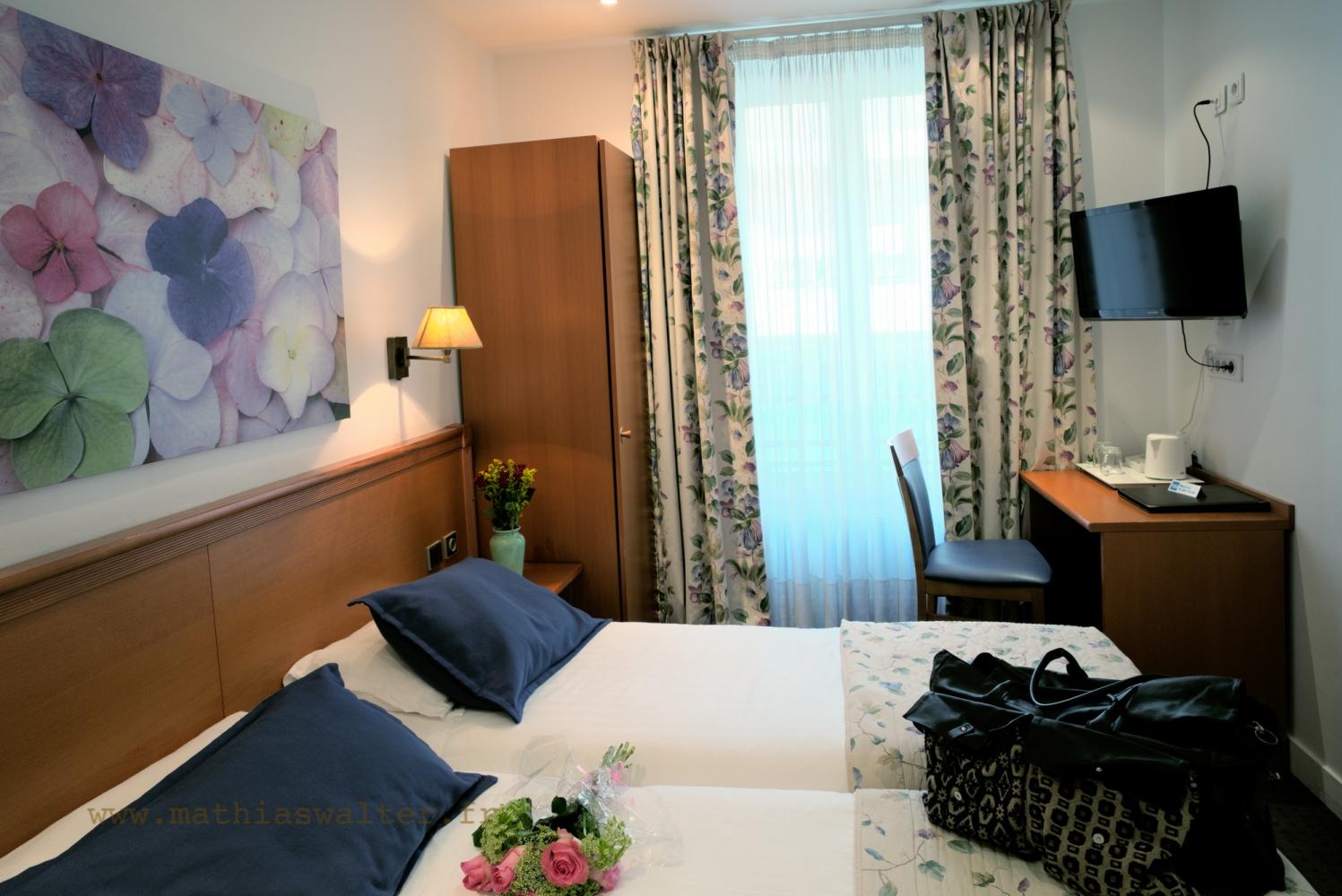 Chambre Twin Avec Baignoire à Lu0027Hôtel AGENOR, Hôtel 3 étoiles Quartier  Montparnasse,